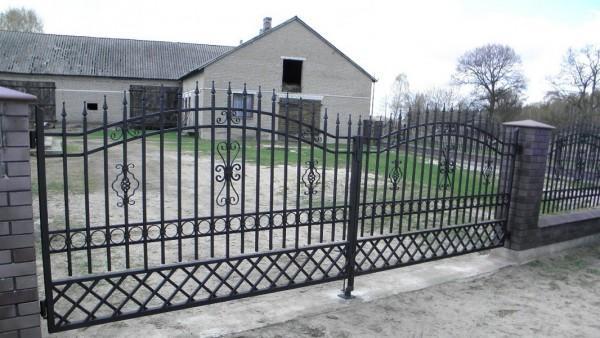 Brama dwuskrzydłowa Budy Iłowskie