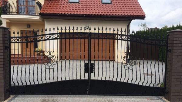 Brama kuta Kożuszki Parcel